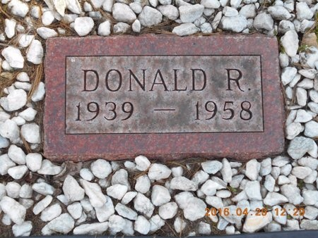 ROBERTS, DONALD R. - Marquette County, Michigan | DONALD R. ROBERTS - Michigan Gravestone Photos