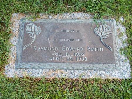 SMITH, RAYMOND EDWARD - Hancock County, Mississippi | RAYMOND EDWARD SMITH - Mississippi Gravestone Photos