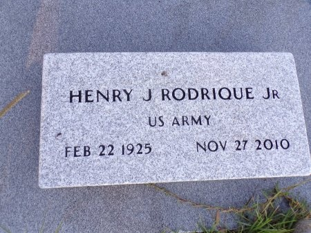 "RODRIQUE, JR (VETERAN), HENRY JOSEPH ""HANK"" (NEW) - Harrison County, Mississippi   HENRY JOSEPH ""HANK"" (NEW) RODRIQUE, JR (VETERAN) - Mississippi Gravestone Photos"
