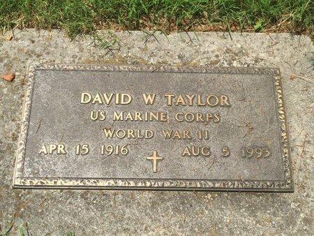 TAYLOR, DAVID W (VETERAN WWII) - Christian County, Missouri | DAVID W (VETERAN WWII) TAYLOR - Missouri Gravestone Photos