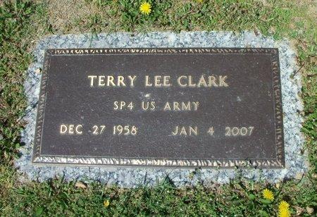 CLARK, TERRY LEE VETERAN - Howell County, Missouri | TERRY LEE VETERAN CLARK - Missouri Gravestone Photos