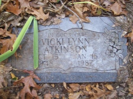 ATKINSON, VICKI LYNN - McDonald County, Missouri   VICKI LYNN ATKINSON - Missouri Gravestone Photos