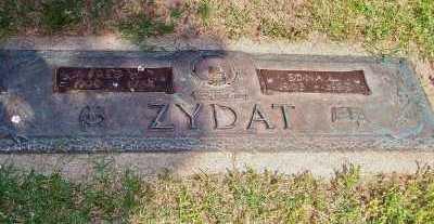 ZYDAT, FRED W - St. Louis County, Missouri   FRED W ZYDAT - Missouri Gravestone Photos