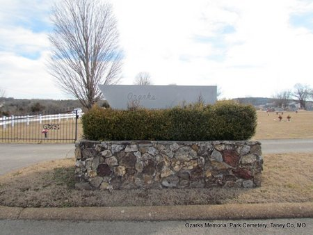 *OZARKS MEMORIAL PARK,  - Taney County, Missouri |  *OZARKS MEMORIAL PARK - Missouri Gravestone Photos