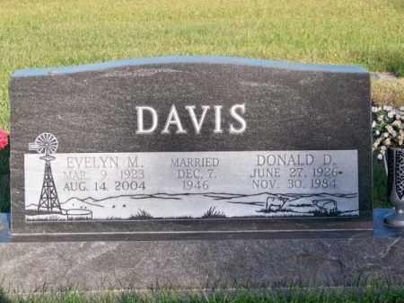 DAVIS, EVELYN M. - Brown County, Nebraska | EVELYN M. DAVIS - Nebraska Gravestone Photos