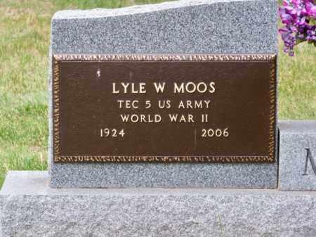MOOS, LYLE W. - Brown County, Nebraska | LYLE W. MOOS - Nebraska Gravestone Photos