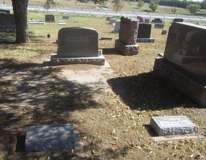 SNYDER, FAMILY HEADSTONE - Buffalo County, Nebraska   FAMILY HEADSTONE SNYDER - Nebraska Gravestone Photos