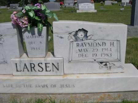 LARSEN, RAYMOND H. - Dawes County, Nebraska | RAYMOND H. LARSEN - Nebraska Gravestone Photos