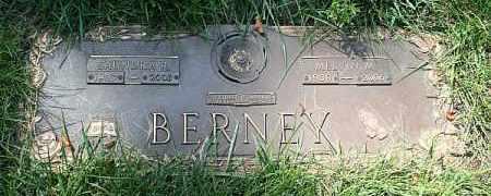 BERNEY, SAUNDRA R. - Douglas County, Nebraska   SAUNDRA R. BERNEY - Nebraska Gravestone Photos