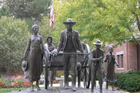 *MORMAN PIONEER CEMETERY, SCULPTURE NEAR - Douglas County, Nebraska | SCULPTURE NEAR *MORMAN PIONEER CEMETERY - Nebraska Gravestone Photos