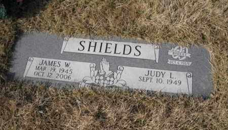 SHIELDS, JAMES W. - Douglas County, Nebraska | JAMES W. SHIELDS - Nebraska Gravestone Photos