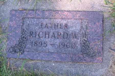 GUST, RICHARD W. - Cass County, North Dakota | RICHARD W. GUST - North Dakota Gravestone Photos