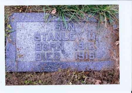 HERR, STANLEY M. - McIntosh County, North Dakota   STANLEY M. HERR - North Dakota Gravestone Photos