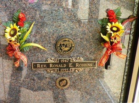 ROBBINS, RONALD E. - Champaign County, Ohio | RONALD E. ROBBINS - Ohio Gravestone Photos