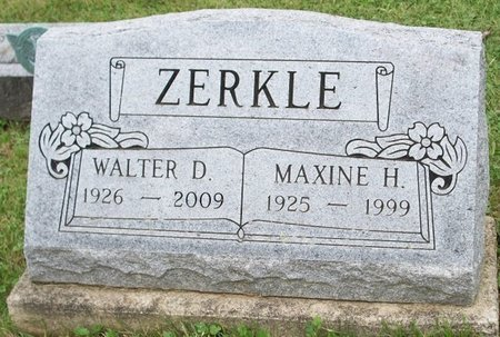 ZERKLE, MAXINE HELEN - Champaign County, Ohio | MAXINE HELEN ZERKLE - Ohio Gravestone Photos
