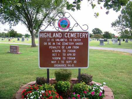 *SIGN AND OVERVIEW,  - Comanche County, Oklahoma |  *SIGN AND OVERVIEW - Oklahoma Gravestone Photos