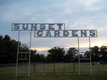 *SUNSET GARDENS CEMETERY SIGN, . - Delaware County, Oklahoma | . *SUNSET GARDENS CEMETERY SIGN - Oklahoma Gravestone Photos
