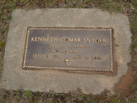 SNYDER (VETERAN WWII), KENNETH COMAR - Kay County, Oklahoma | KENNETH COMAR SNYDER (VETERAN WWII) - Oklahoma Gravestone Photos
