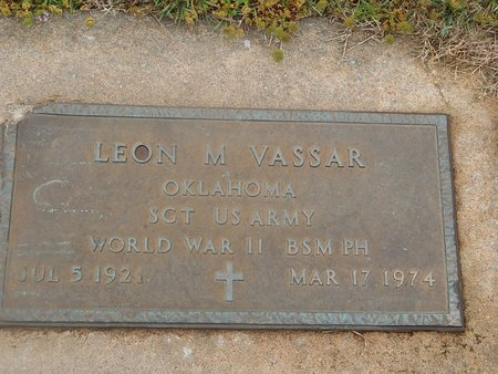 VASSAR (VETERAN WWII), LEON M - Kay County, Oklahoma | LEON M VASSAR (VETERAN WWII) - Oklahoma Gravestone Photos