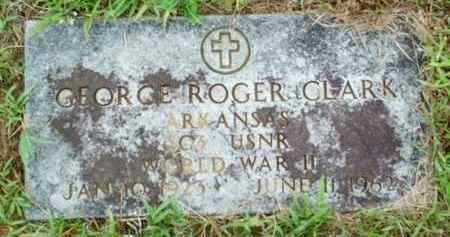 CLARK   , GEORGE ROGER  (VETERAN WW II) - Le Flore County, Oklahoma   GEORGE ROGER  (VETERAN WW II) CLARK    - Oklahoma Gravestone Photos