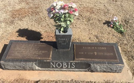 NOBIS, HAROLD AND EDNA - Woods County, Oklahoma | HAROLD AND EDNA NOBIS - Oklahoma Gravestone Photos