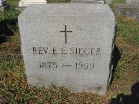 SIEGER, REV.E.E. - Lehigh County, Pennsylvania   REV.E.E. SIEGER - Pennsylvania Gravestone Photos
