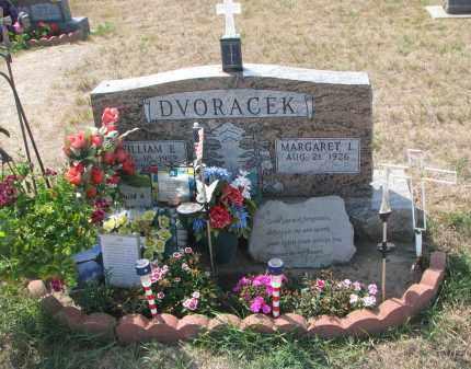 DVORACEK, WILLIAM E. - Bon Homme County, South Dakota   WILLIAM E. DVORACEK - South Dakota Gravestone Photos