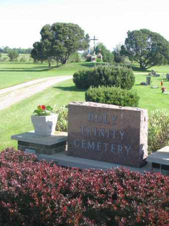 **HOLY TRINITY, ENTRANCE - Davison County, South Dakota   ENTRANCE **HOLY TRINITY - South Dakota Gravestone Photos