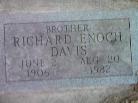 DAVIS, RICHARD ENOCH - Deuel County, South Dakota | RICHARD ENOCH DAVIS - South Dakota Gravestone Photos
