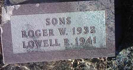 LARSON, LOWELL R. - Deuel County, South Dakota | LOWELL R. LARSON - South Dakota Gravestone Photos