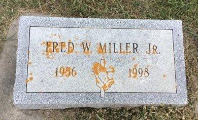 MILLER JR., FRED W. - Edmunds County, South Dakota | FRED W. MILLER JR. - South Dakota Gravestone Photos