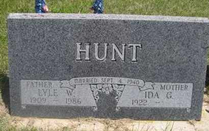 HUNT, LYLE W. - Haakon County, South Dakota | LYLE W. HUNT - South Dakota Gravestone Photos