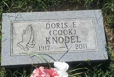 COOK KNODEL, DORIS E - Hamlin County, South Dakota   DORIS E COOK KNODEL - South Dakota Gravestone Photos