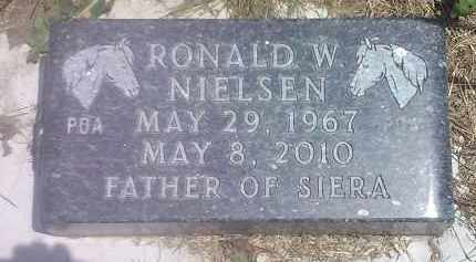 NIELSEN, RONALD W - Hamlin County, South Dakota | RONALD W NIELSEN - South Dakota Gravestone Photos