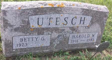 UTESCH, BETTY - Hamlin County, South Dakota | BETTY UTESCH - South Dakota Gravestone Photos