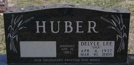 HUBER, DELYLE LEE - Hutchinson County, South Dakota | DELYLE LEE HUBER - South Dakota Gravestone Photos