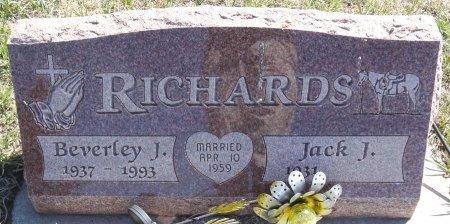 RICHARDS, BEVERLEY - Jones County, South Dakota   BEVERLEY RICHARDS - South Dakota Gravestone Photos