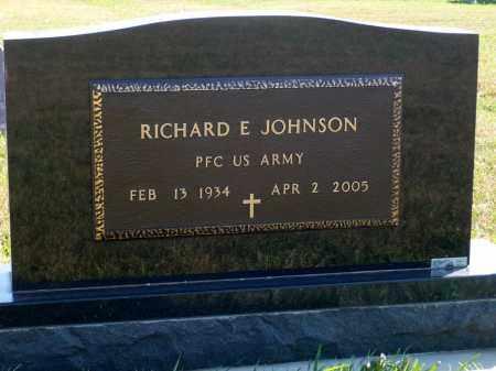 JOHNSON, RICHARD E. - Minnehaha County, South Dakota   RICHARD E. JOHNSON - South Dakota Gravestone Photos