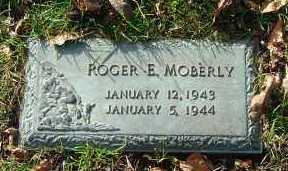 MOBERLY, ROGER E. - Minnehaha County, South Dakota | ROGER E. MOBERLY - South Dakota Gravestone Photos