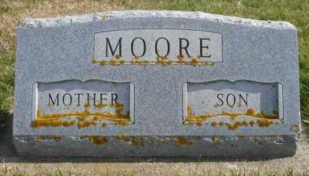 MOORE, LILLIAN M. - Minnehaha County, South Dakota | LILLIAN M. MOORE - South Dakota Gravestone Photos