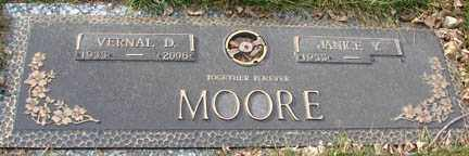 MOORE, JANICE - Minnehaha County, South Dakota | JANICE MOORE - South Dakota Gravestone Photos