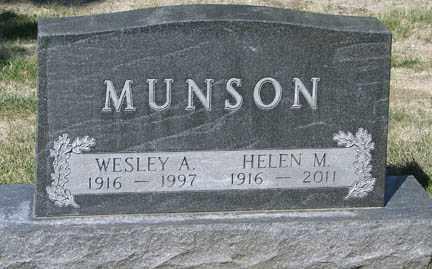 MUNSON, HELEN M. - Minnehaha County, South Dakota | HELEN M. MUNSON - South Dakota Gravestone Photos