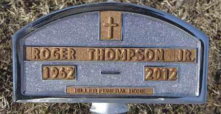 THOMPSON, ROGER JR. - Minnehaha County, South Dakota | ROGER JR. THOMPSON - South Dakota Gravestone Photos