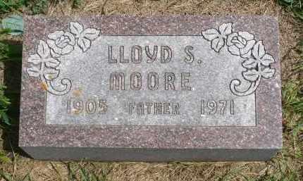 MOORE, LLOYD S. - Moody County, South Dakota   LLOYD S. MOORE - South Dakota Gravestone Photos