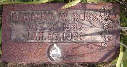 ROSS, RICHARD W - Moody County, South Dakota   RICHARD W ROSS - South Dakota Gravestone Photos