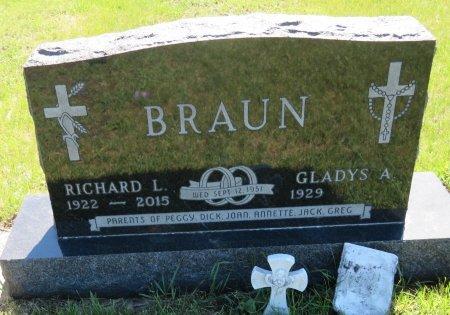 BRAUN, GLADYS A. - Roberts County, South Dakota | GLADYS A. BRAUN - South Dakota Gravestone Photos