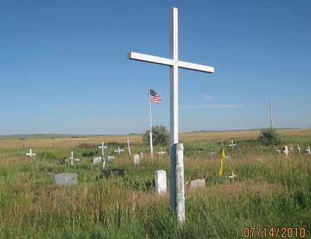 *FEATHER ON HEAD CEMETERY, CROSS AT CENTER - Oglala Lakota County, South Dakota | CROSS AT CENTER *FEATHER ON HEAD CEMETERY - South Dakota Gravestone Photos