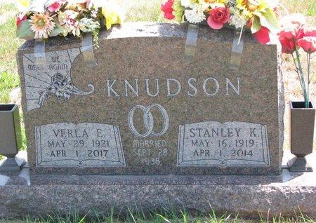 KNUDSON, VERLA EVELYN - Turner County, South Dakota   VERLA EVELYN KNUDSON - South Dakota Gravestone Photos