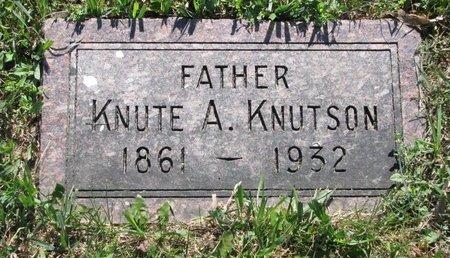 KNUTSON, KNUTE A. - Turner County, South Dakota   KNUTE A. KNUTSON - South Dakota Gravestone Photos