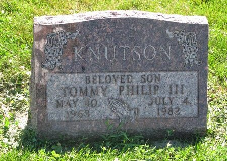 KNUTSON, TOMMY PHILIP III - Turner County, South Dakota   TOMMY PHILIP III KNUTSON - South Dakota Gravestone Photos